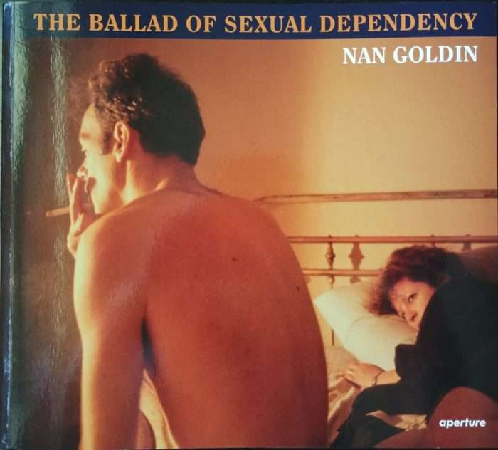 La copertina di The Ballad of sexual dependency di Nan Goldin. Aperture, 2012.